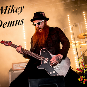 MikeyDemus1-DSC6324.png