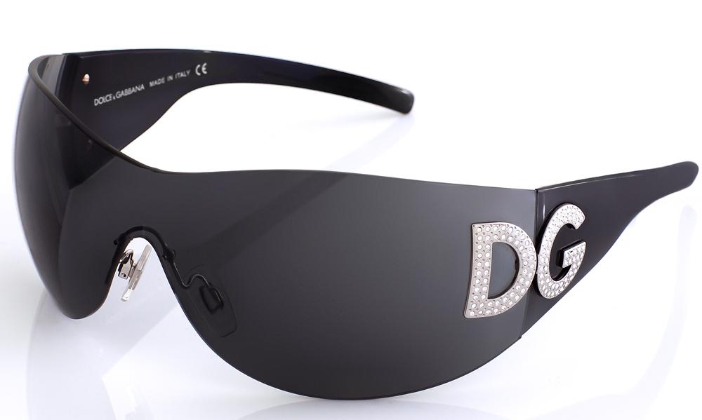2015-D&G-sunglasses-close-AF.jpg