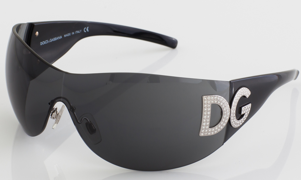 2015-D&G-sunglasses-close-BF.jpg