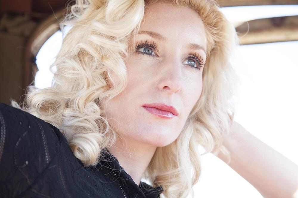 W2-Christina-car-eyelashes-before.jpg