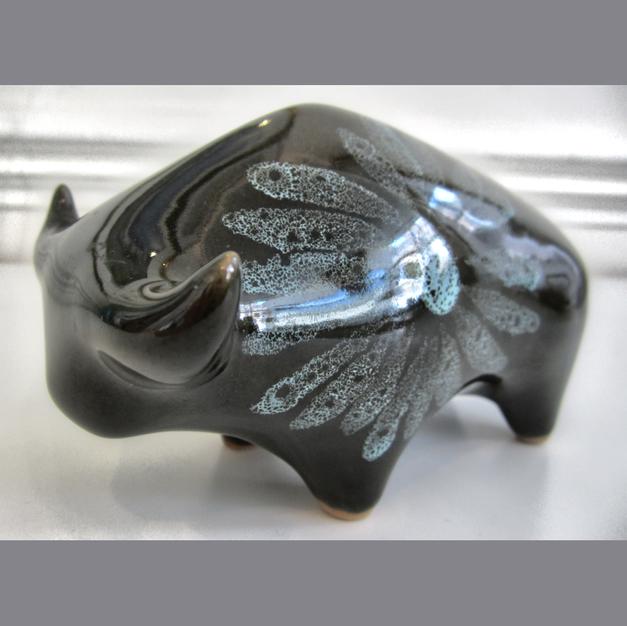 Lotus Pottery Bull