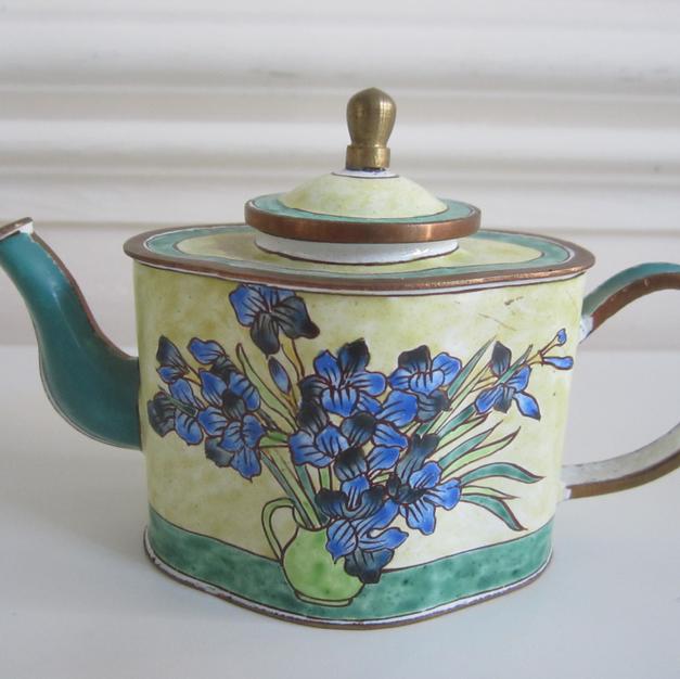 'Vase of Flowers' Teapot