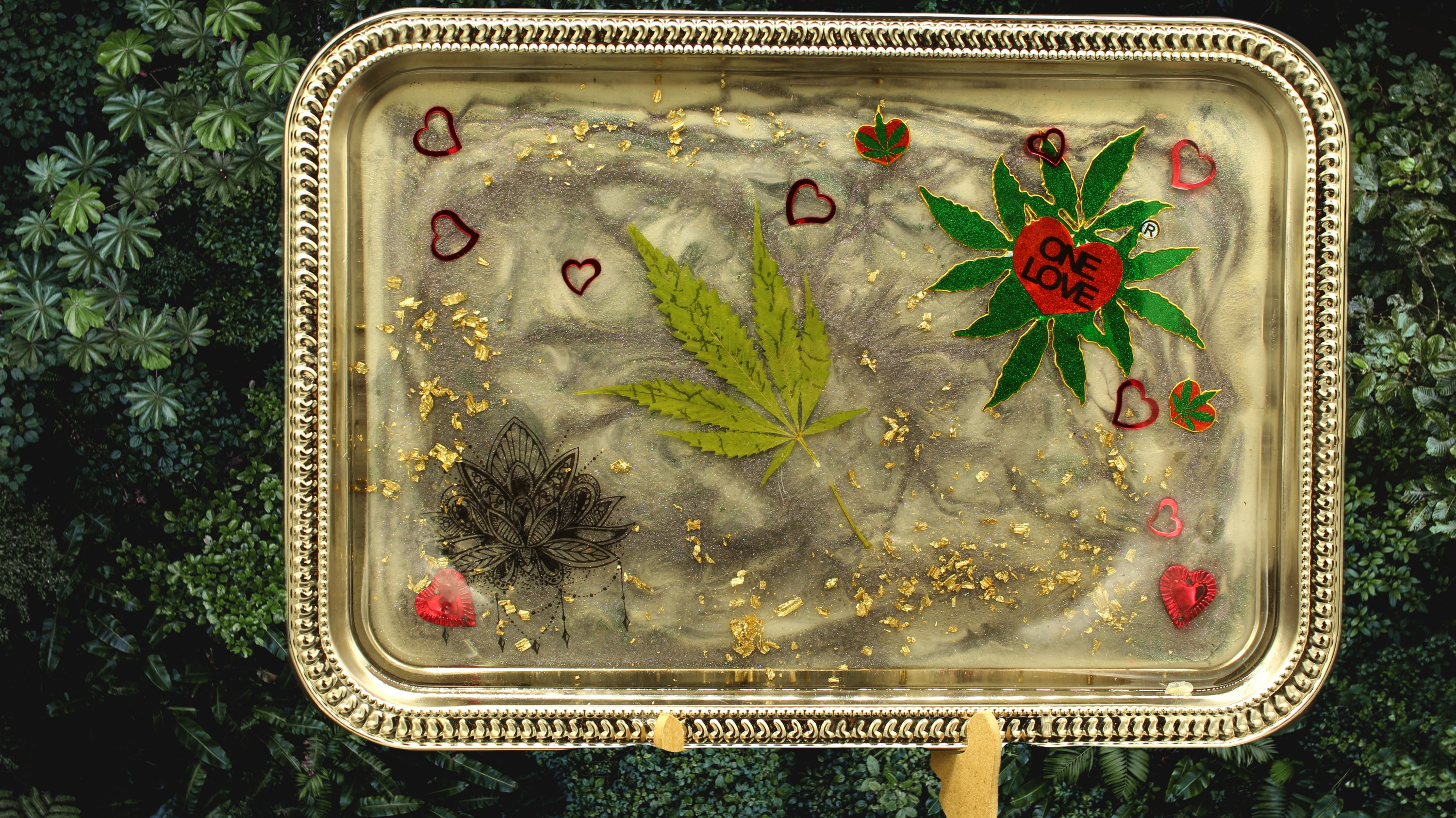 real leaf rolling tray