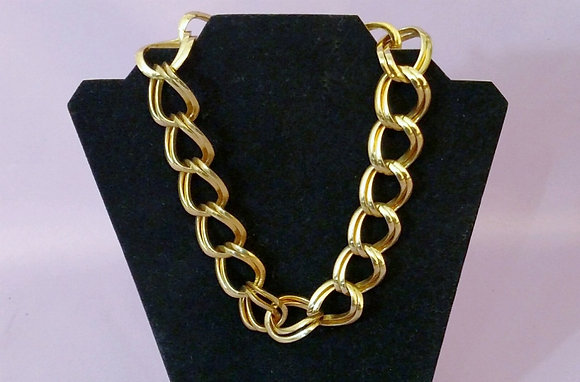 "Beautiful 18"" Gold Tone Chain Necklace"