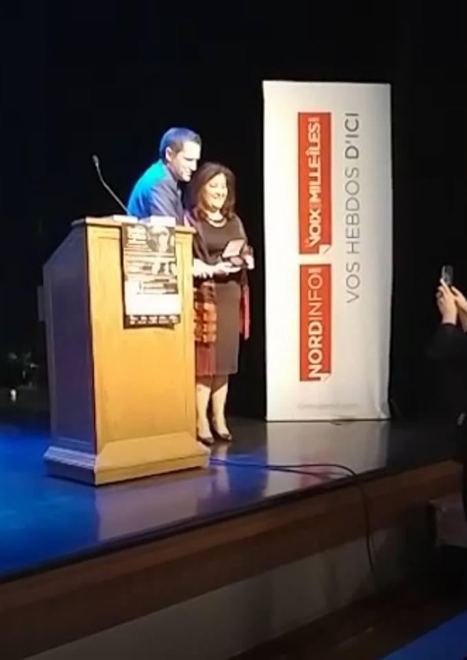 Médaille de l'Assemblée Nationale 2017 remise à Leila par le député de Deux-Montagnes Benoit Charette.