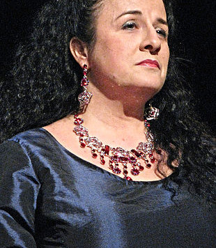 À la découverte de nos artistes du Concert Bénéfice: la pétillante soprano Nathalya Thibault!