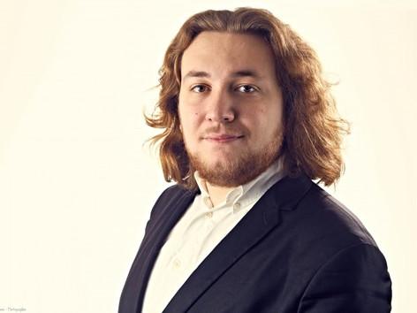 À la découverte de nos artistes ! Concert Bénéfice : la voix de ténor lyrique d'Emmanuel Hasler.
