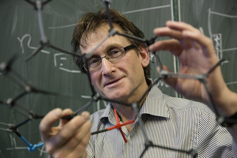 This is University of Groningen professor of organic chemistry Ben Feringa. @ University of Groningen / Jeroen van Kooten