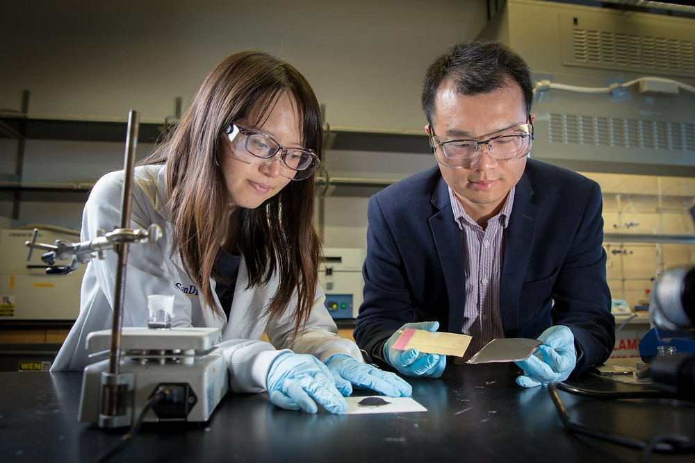 (L-R): First author Yang Shi and Professor Zheng Chen of UC San Diego developed a method to recycle and regenerate cathodes of spent lithium ion batteries. @ David Baillot/UC San Diego Jacobs School of Engineering