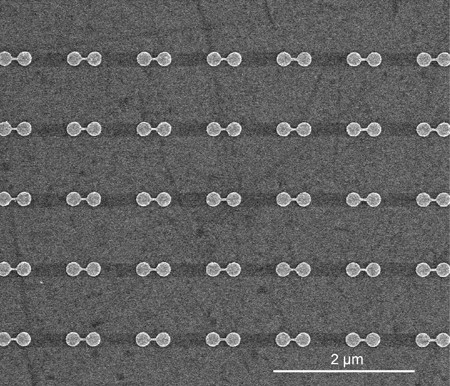 Linked pairs of nanodisks as seen with a scanning electron microscope. Credit: Fangfang Wen/Rice University