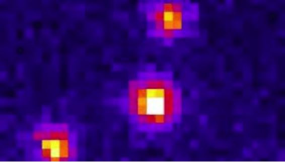 Microscopic film of three nano-cranes at work: first, diffusive motion without external electrical field, second: switching between two directions, third: rotation.  @ Enz Kopperger / TUM / Science