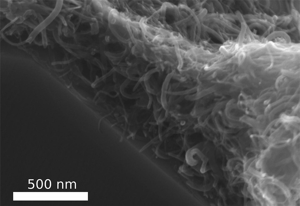 Scientists from the Functional Nanomaterials working group at Kiel University (CAU) and the University of Trento have now developed a process to form a stable, tear-resistant layer out of tiny, thread-like carbon nanotubes (CNTs). They arrange themselves -- almost like felting. @ Photo/Copyright: Fabian Schütt