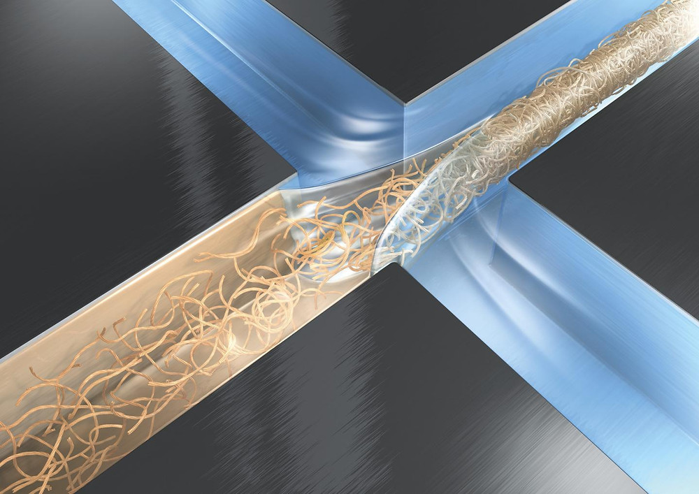 Hydrodynamic focussing by means of perpendicular water streams makes protein nanofibrils lock together in a microfibre. @ Credit: DESY/Eberhard Reimann