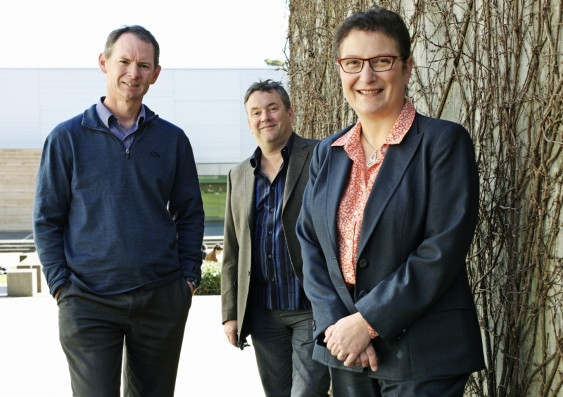 Directors of the Australian Centre for NanoMedicine at UNSW: Scientia Professor Justin Gooding (left) and Professor Maria Kavallaris (right). Tom Davis (centre) is the director of the ARC Centre of Excellence in Convergent Bio-Nano Science and Technology, which is co-hosting the conference. Credit: Prudence Upton