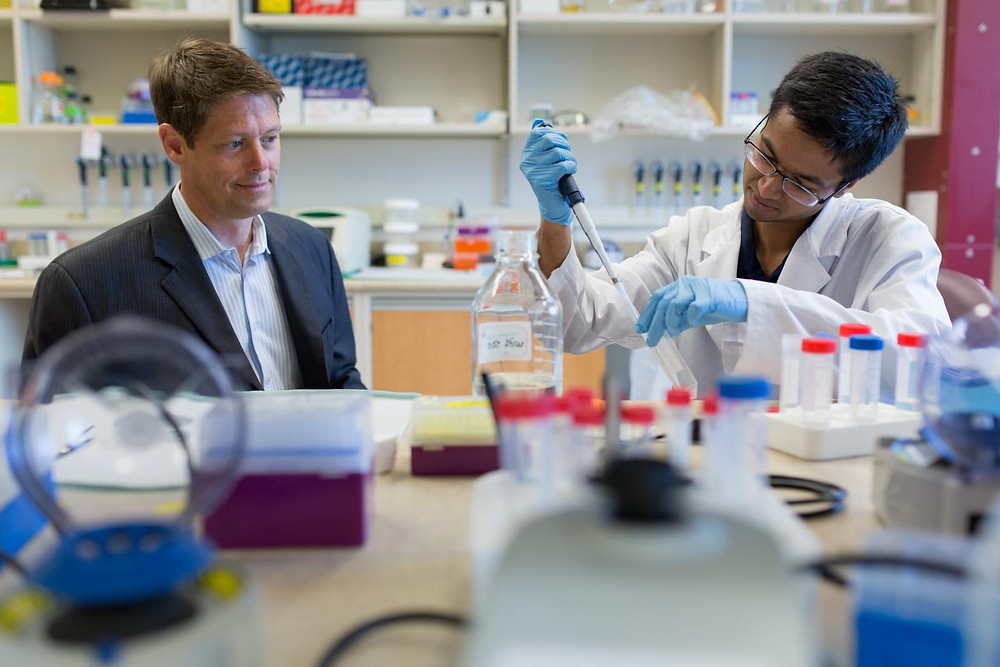 University of Alberta prostate cancer researcher Dr. John Lewis, left, works with graduate student Srijan Raha. @ University of Alberta