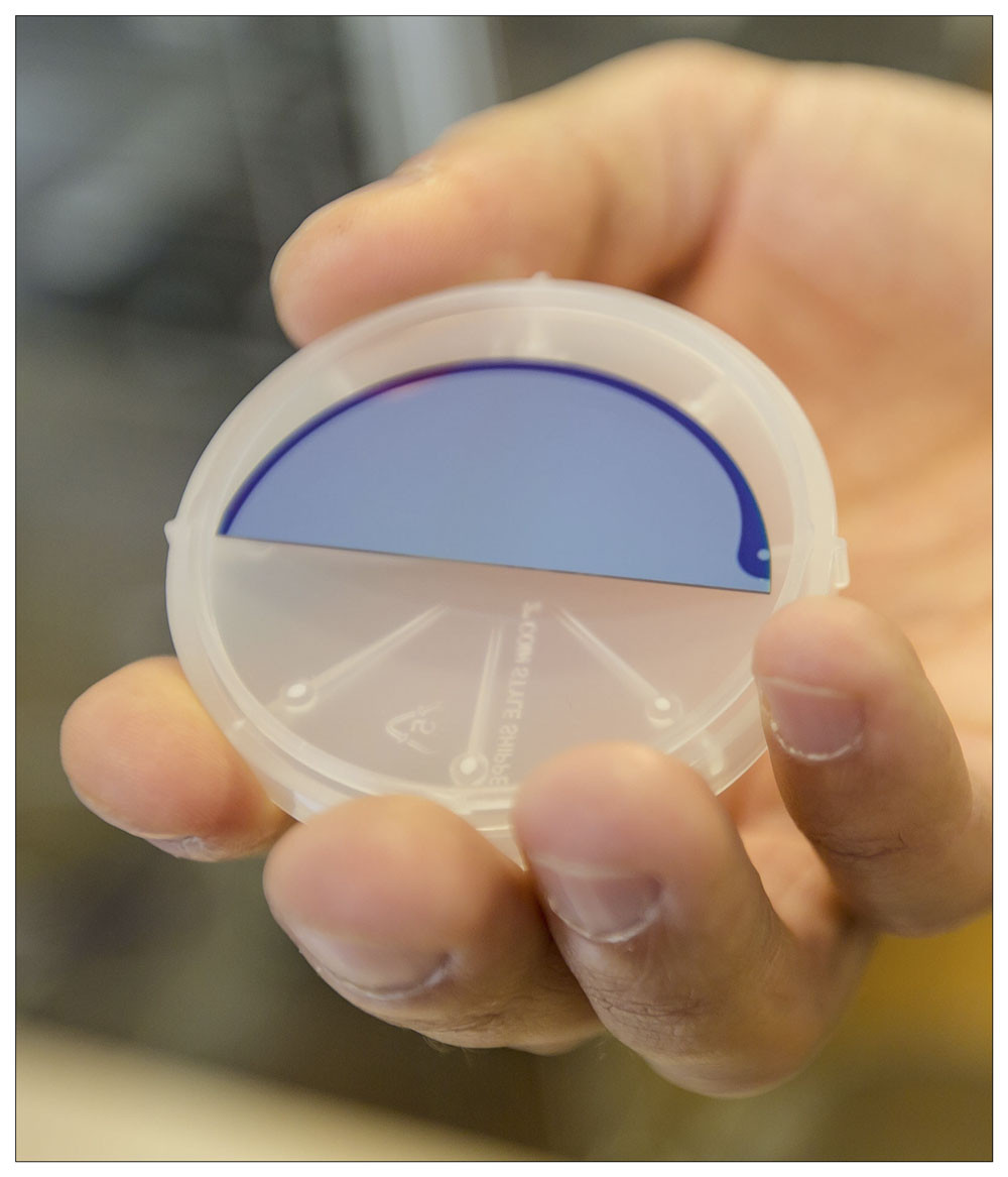 The blue part of the structure - one half of a wafer - is where the scientists start building the nano wire. @ Ola Jakup Joensen