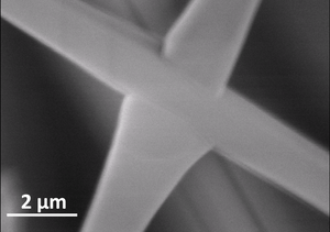 Interpenetration point of two crossing SnO2 structures in defined crystallographic directions. Credit: Mishra/Wiley-VCH