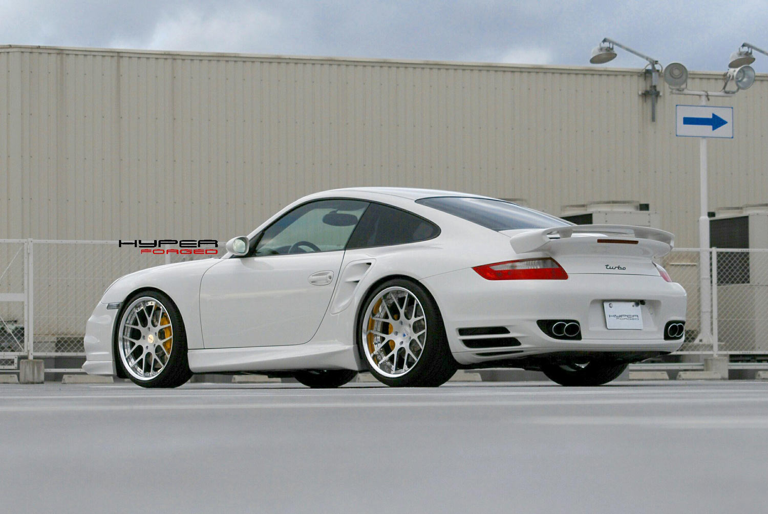 Porsche 997 Turbo Fitted With 20'' HFC7_Polished