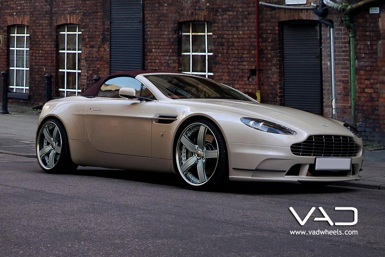 Aston Martin AMV8 Fitt Cabriolet ed With 20 Trafficstar STR