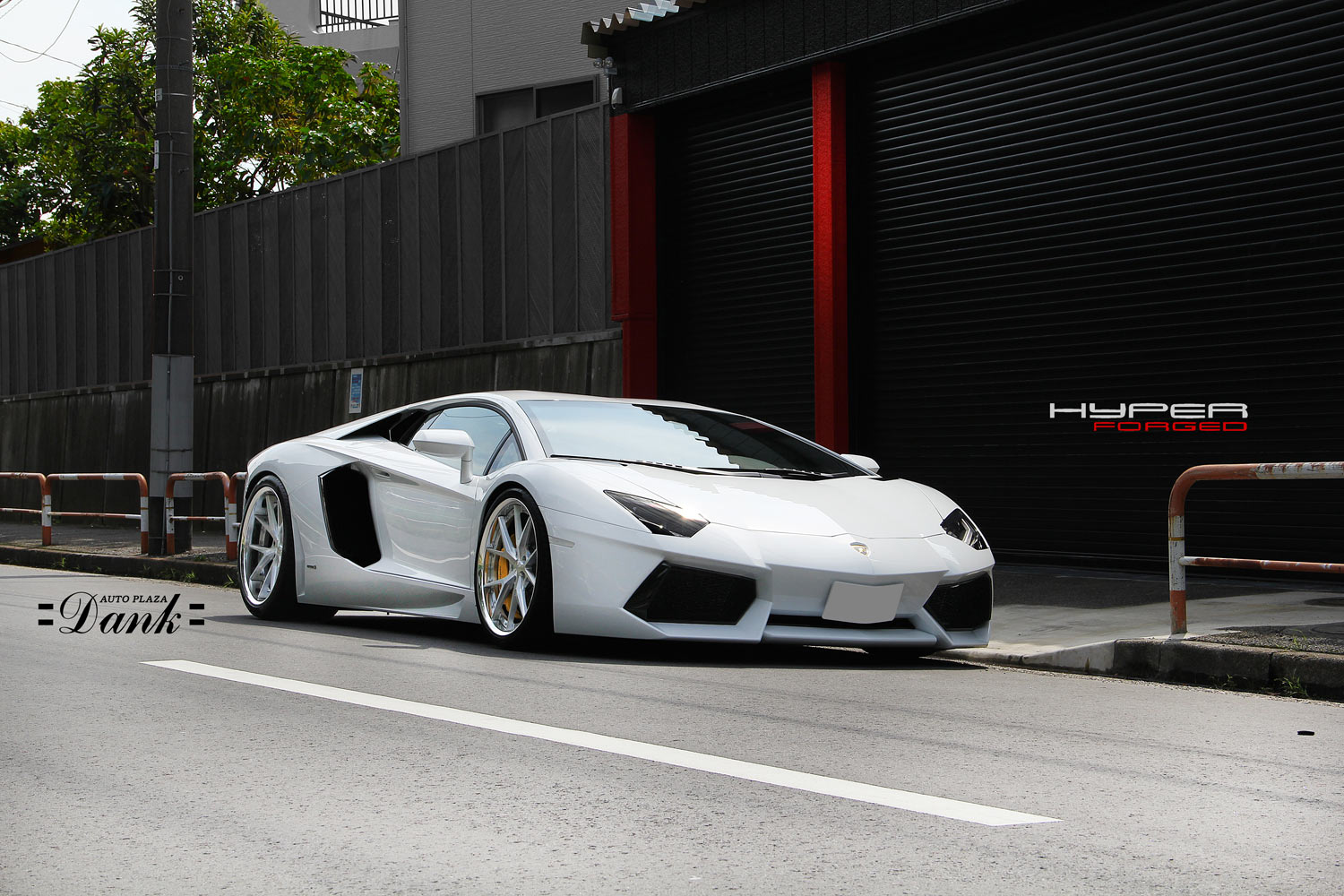 Lamborghini Aventador Fitted with 21'' HF_LC5 Polished