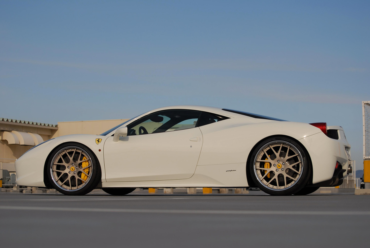Ferrari 458 Italia Fitted with 21'' HFC7 Gold
