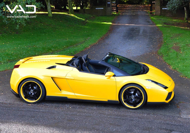 Lamborghini-Gallardo-Yellow-Fitted-With-20''-Trafficstar-STR-Coded-Lips