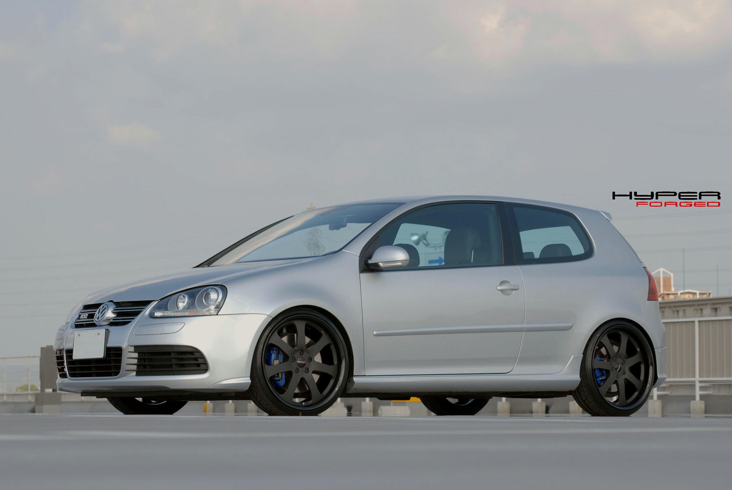 Golf MK5 GTI Fitted with 20'' HF_CF27S