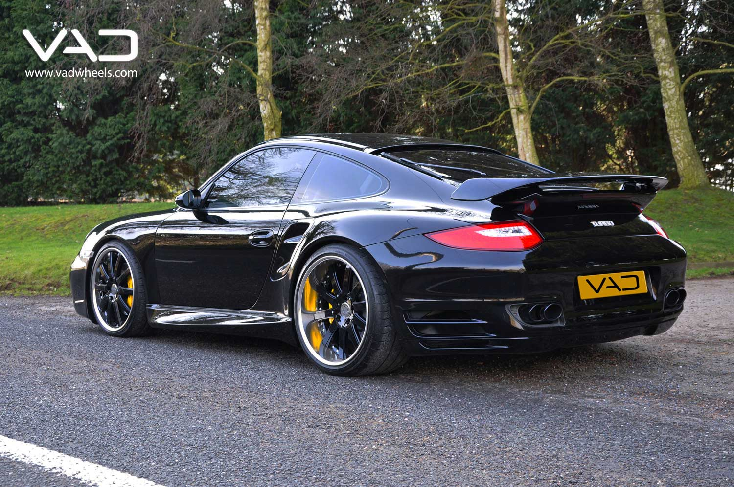 Porsche-997-Turbo-Fitted-With-20''-Altstadt-F100--Black-Chrome-Rim