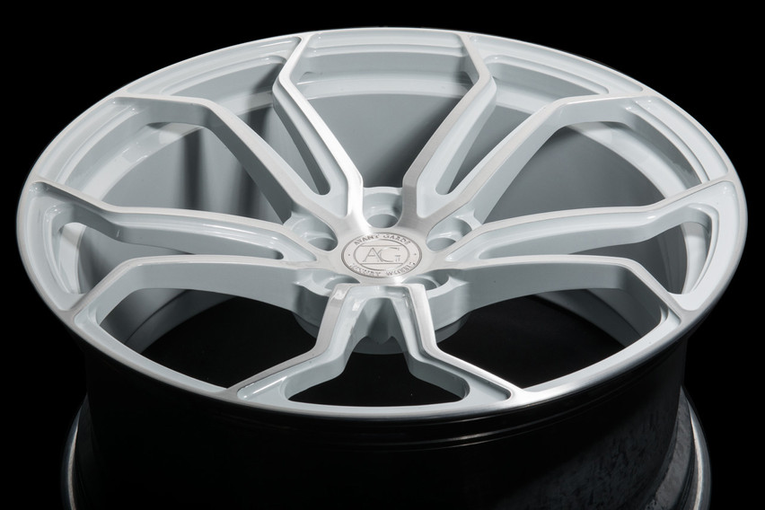 agl32-monoblock-brushed-gloss-white-accents-1