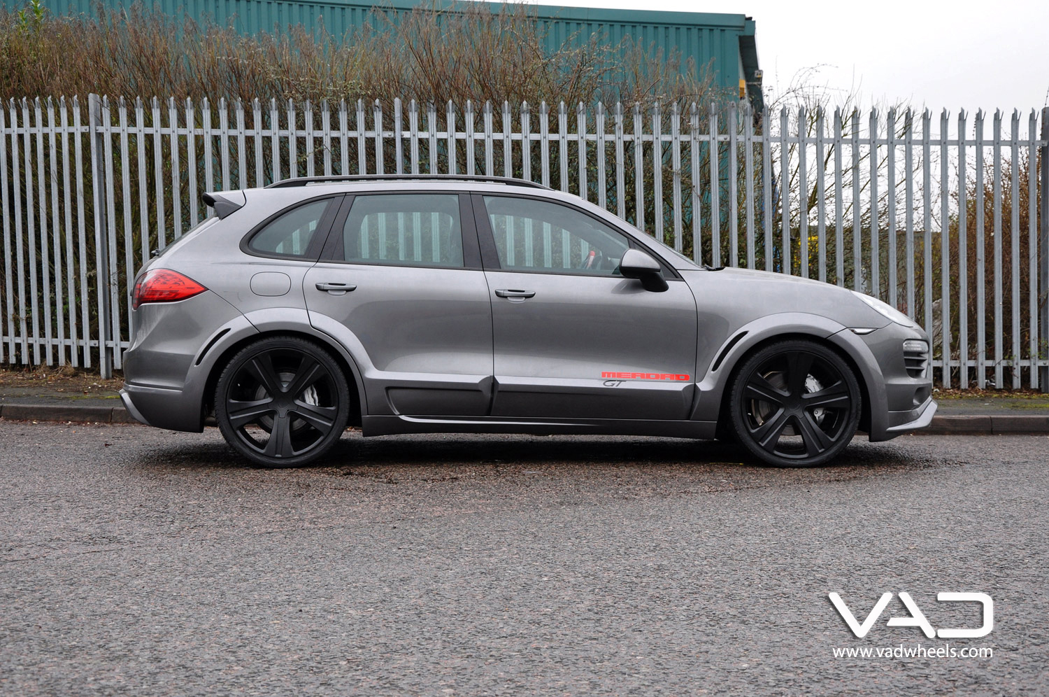 Cayenne Turbo Grey Fitted with 22'' Vogue Evo
