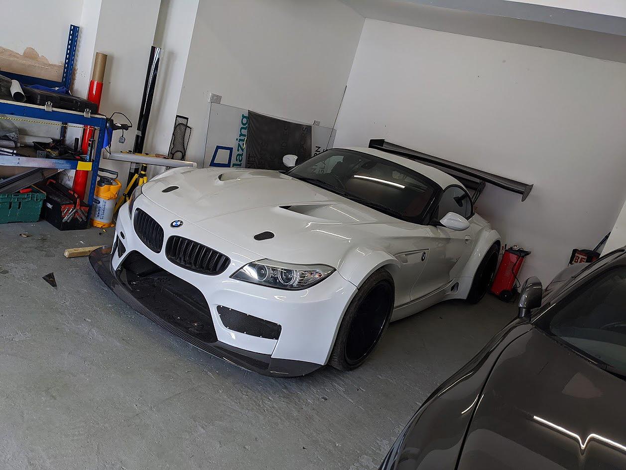 VAD BMW Z4 GT3 V8