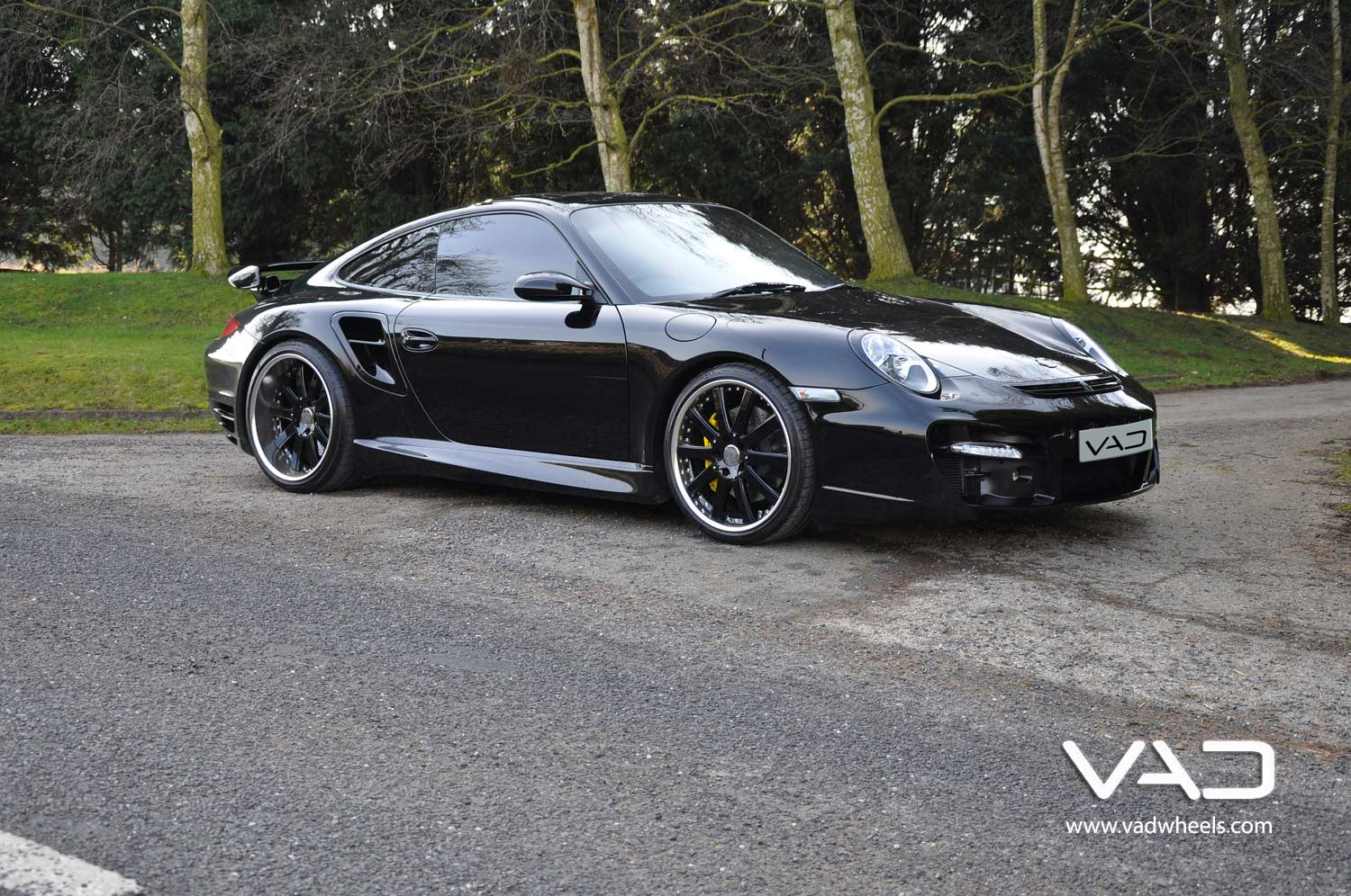 Porsche-997-Turbo-Fitted-With-20''-Altstadt-F100--Gloss-Black-Chrome-Rim