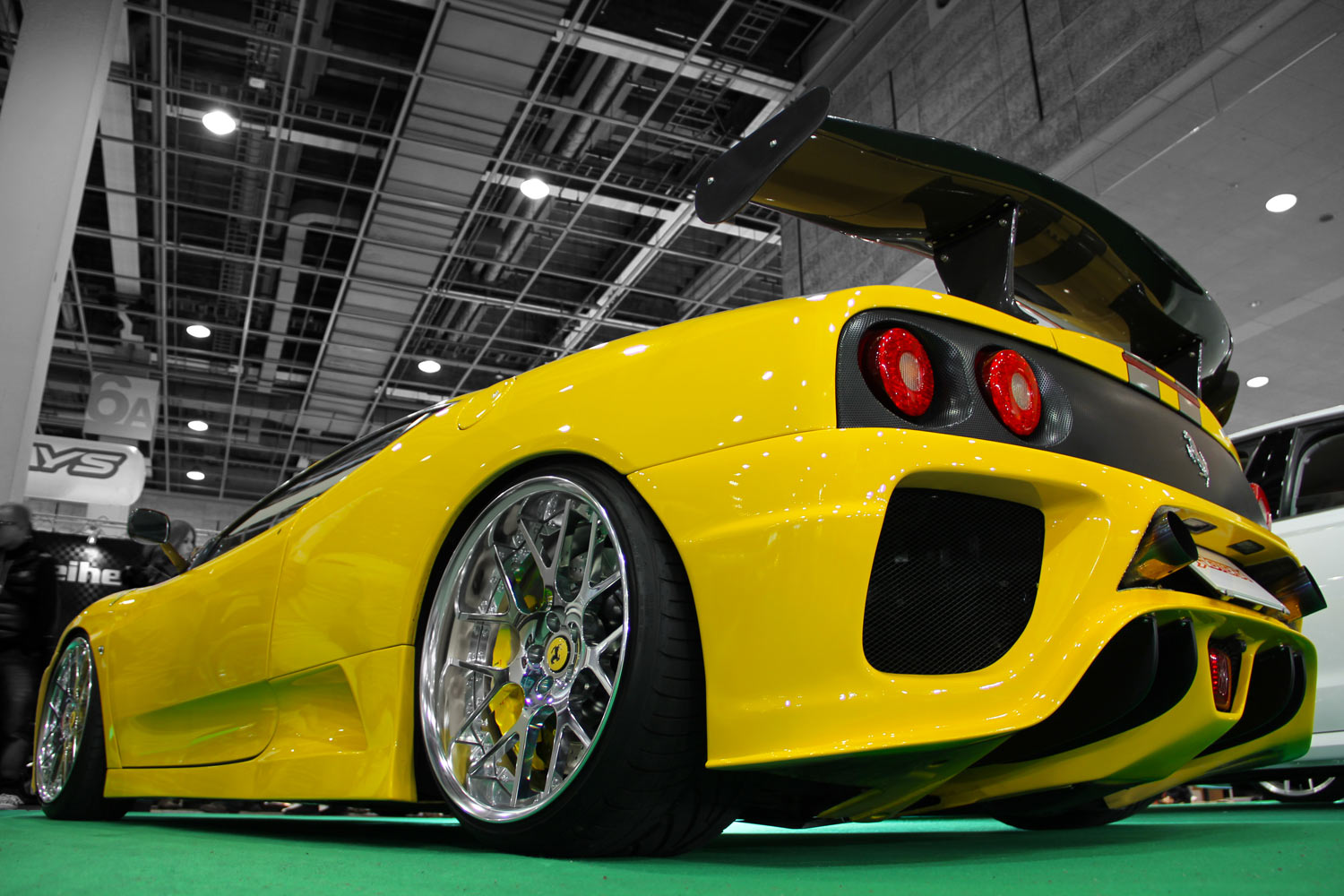 Ferrari 360 Modena Fitted With 20'' HFC7Polish