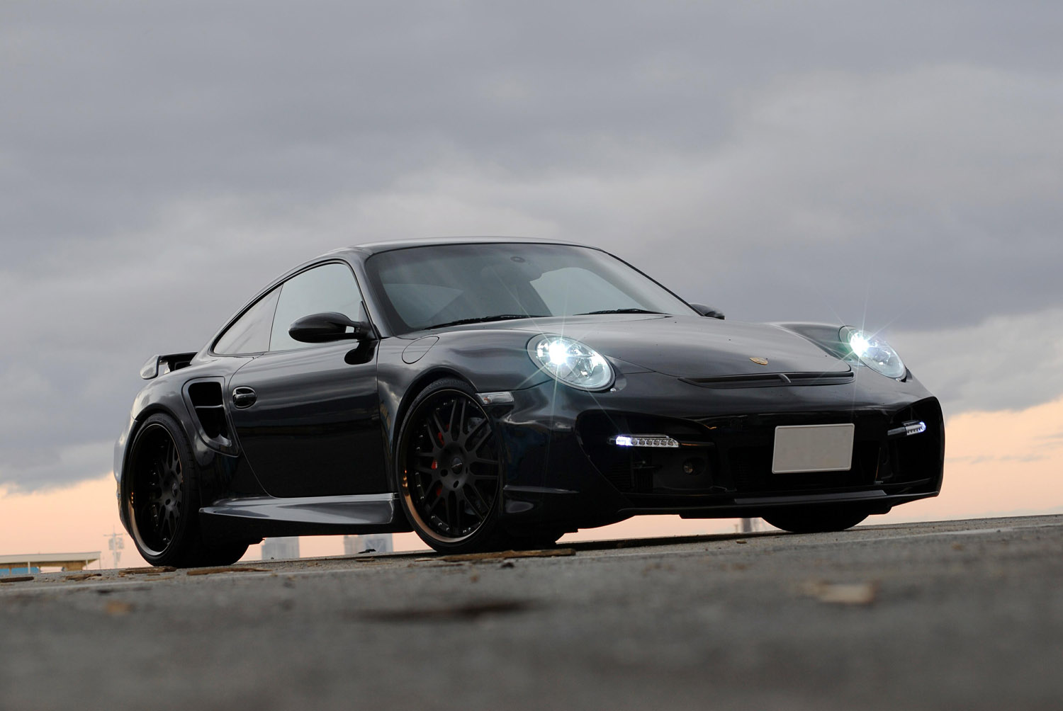 Porsche_997 Turbo Fitted With 20'' HFC7