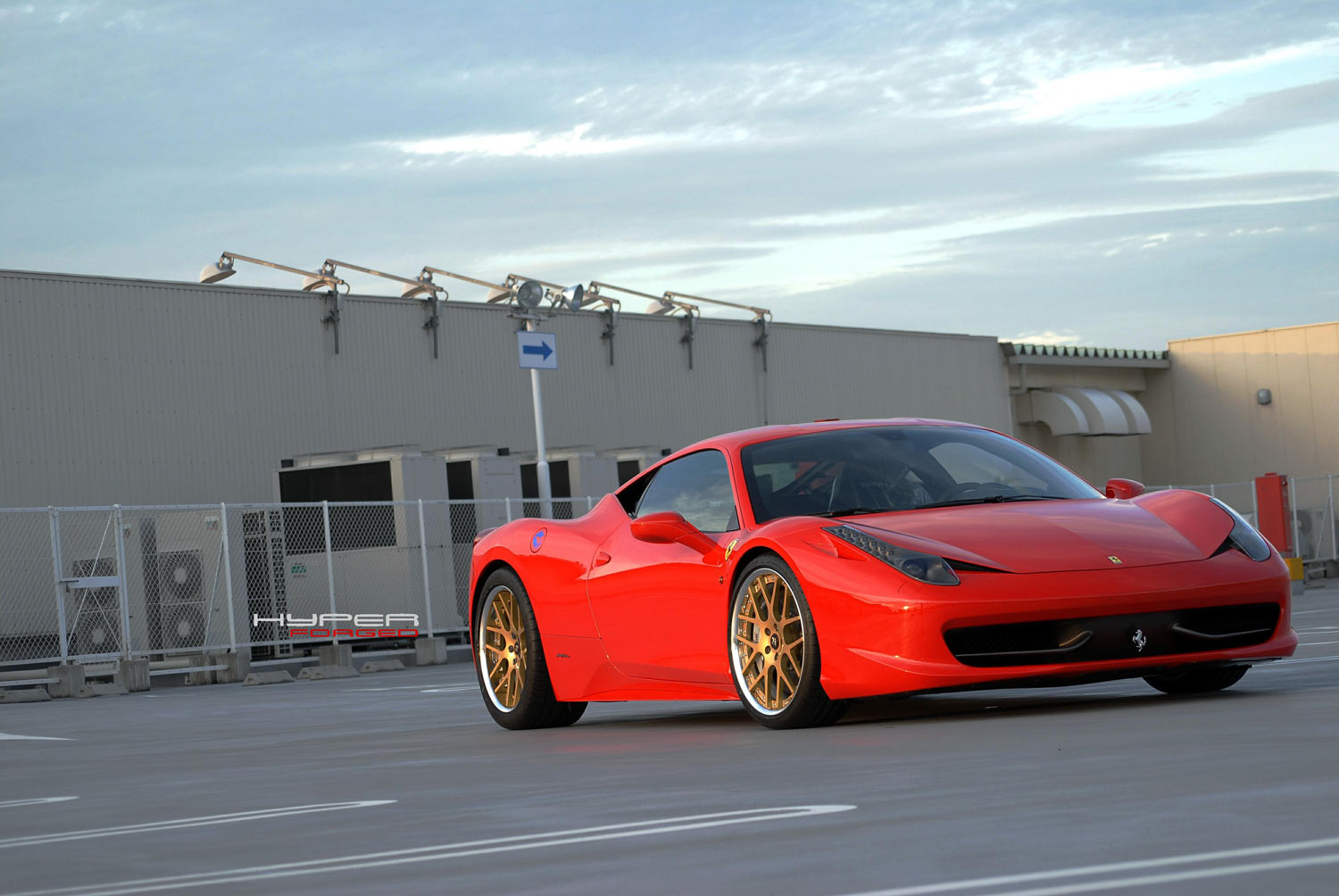 Ferrari 458 Italia Fitted with 21'' Gold HFC7