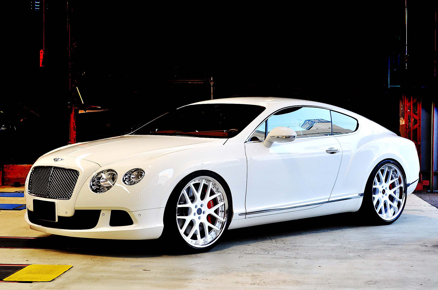 Bentely Continental GT Fitted With 22'' HFC7