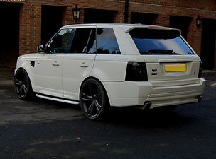 Range Rover Sport White Fitted With 22''