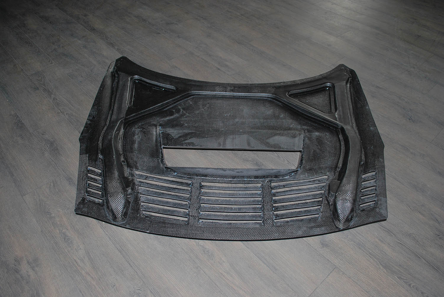 GTR R35 Vented Bonnet Inside