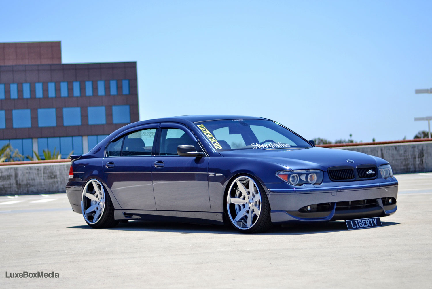BMW E65 Fitted With 22 Inch Luxury Abstract Mador Polished