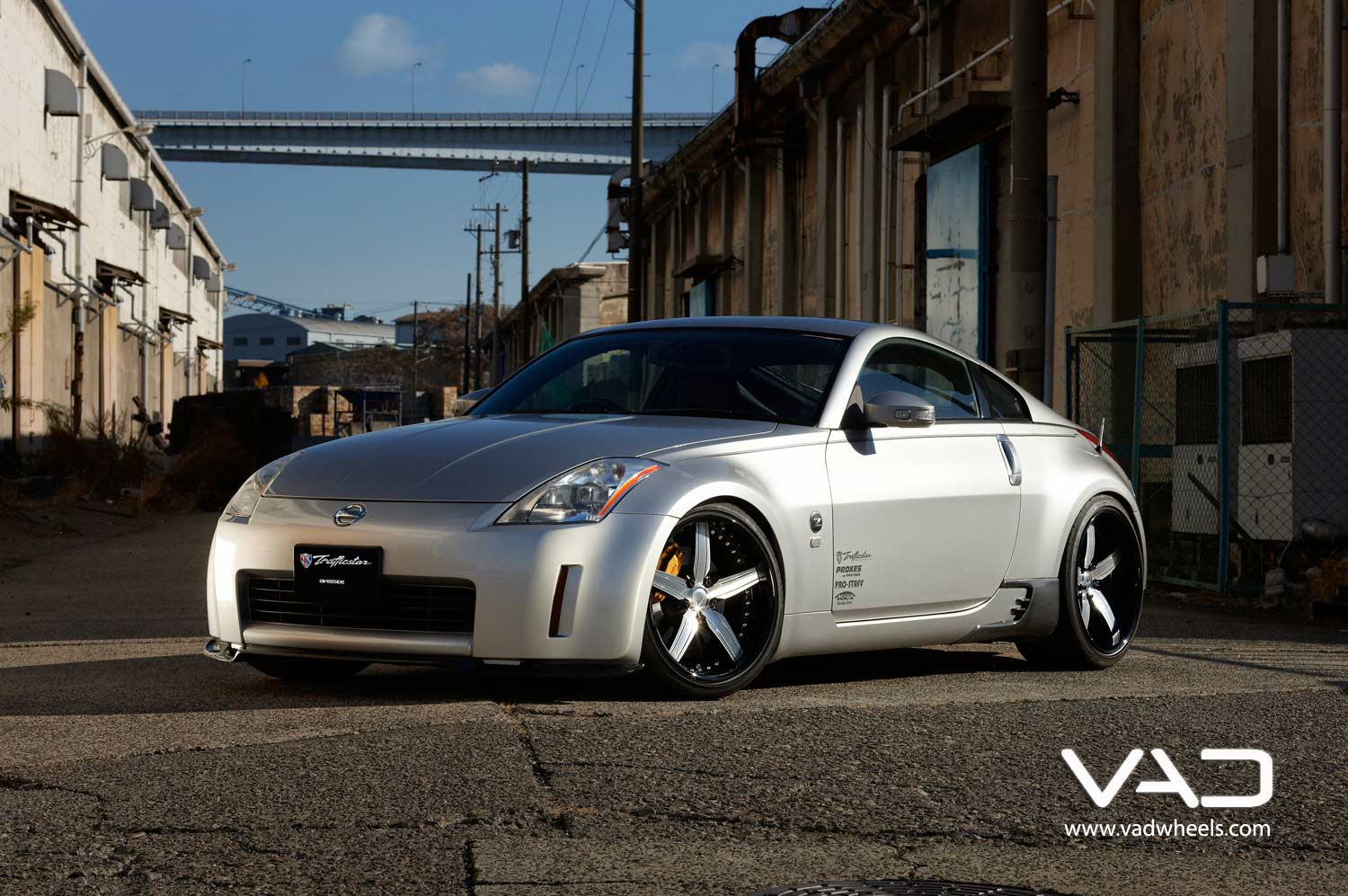 Nissan-350Z-Fitted-With-20''-Trafficstar-STR