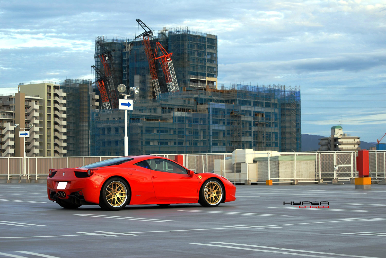Ferrari 458 Italia Fitted with 20'' HFC7 Gold