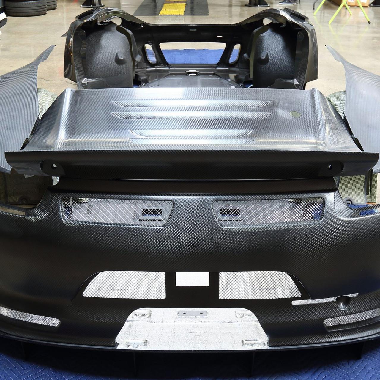 Porsche 991 GT3R Carbon Fibre Aero p