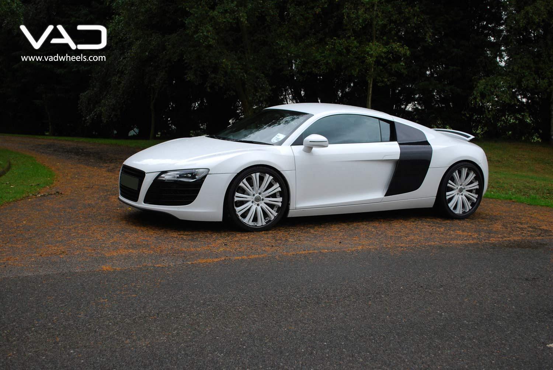 Audi-R8-20''-Trafficstar-SFR-White-Centre-With-Black-Lip