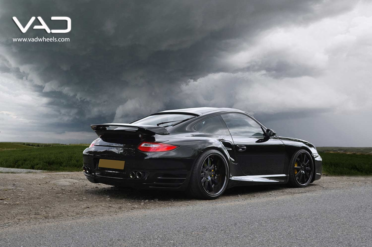 Porsche-997-Turbo-Fitted-With-20''-Altstadt-F100--Black-Edition