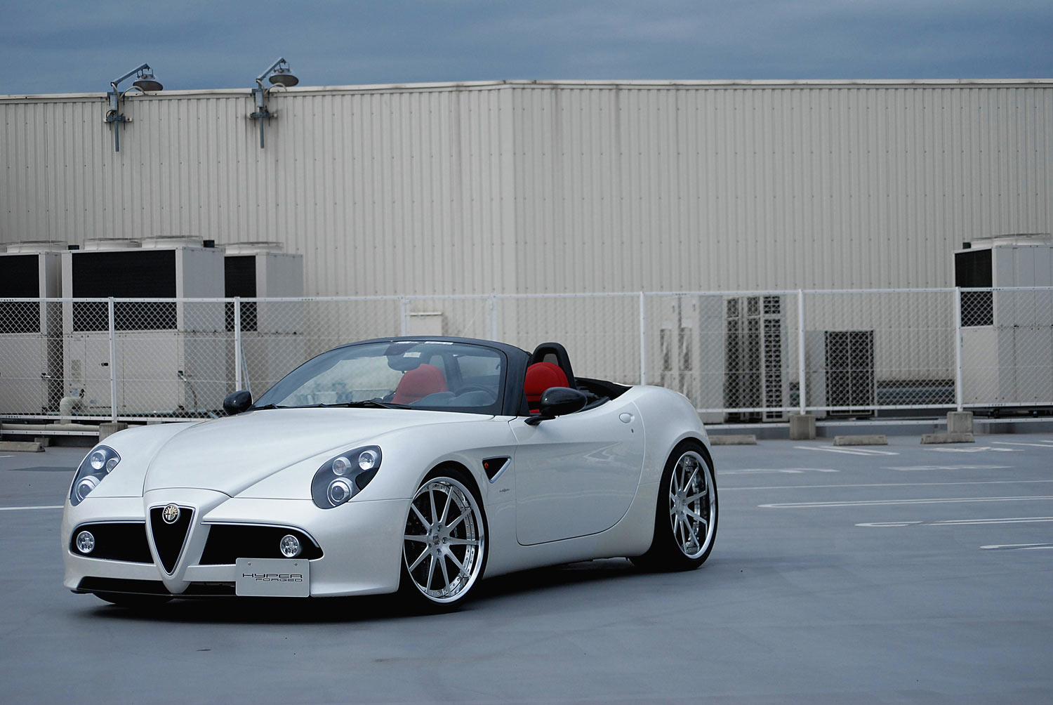 Alfa Romeo 8C  Spider fitted with 21'' HFC10