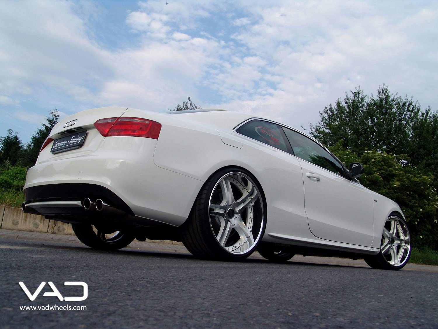 Audi-A5-Fitted-With-21''-White-&-Polished-Altstadt-S250
