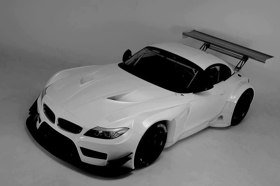 BMW-Z4-GT3-WHITE
