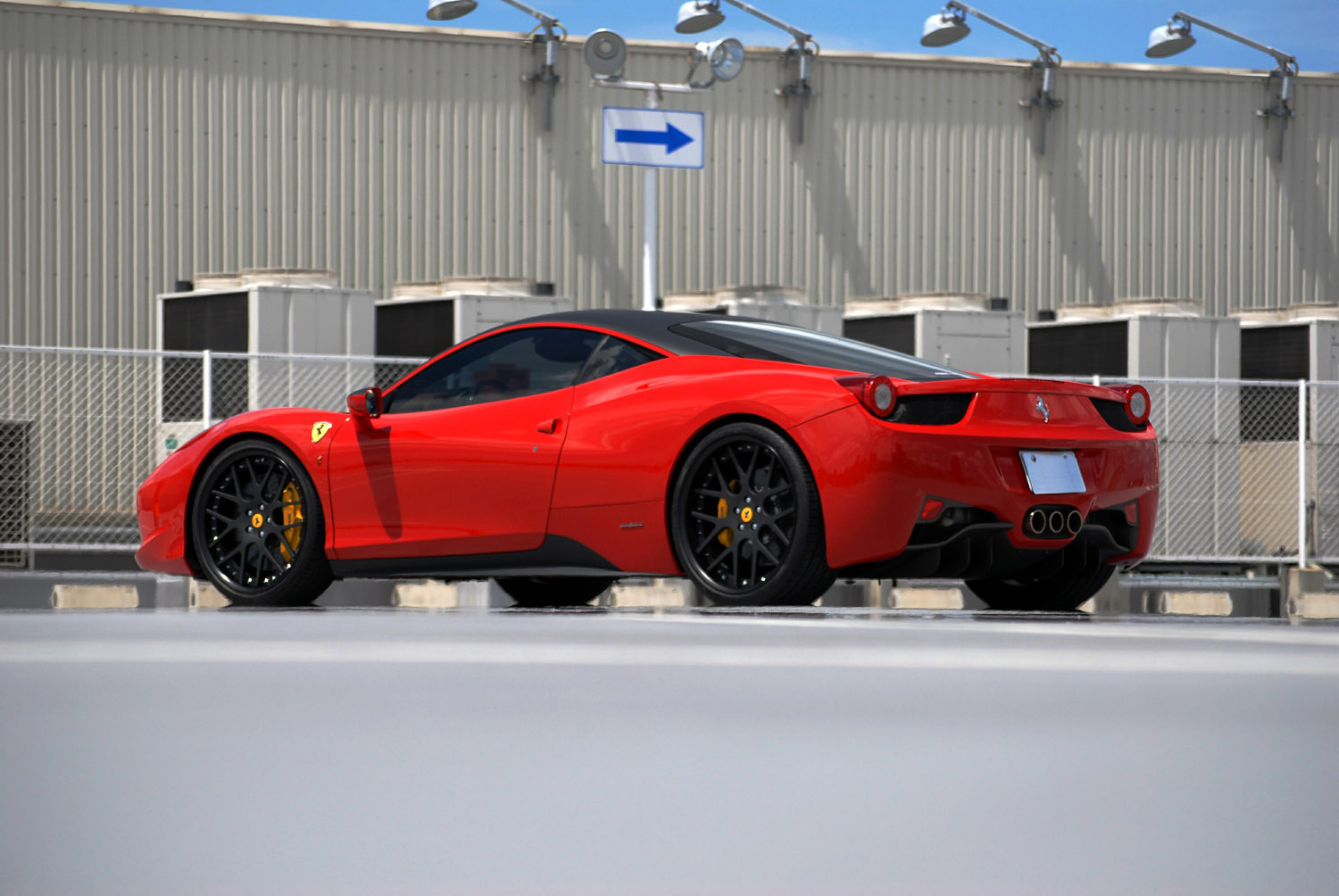 Ferrari Red 458 Italia Fitted with 21'' HFC7