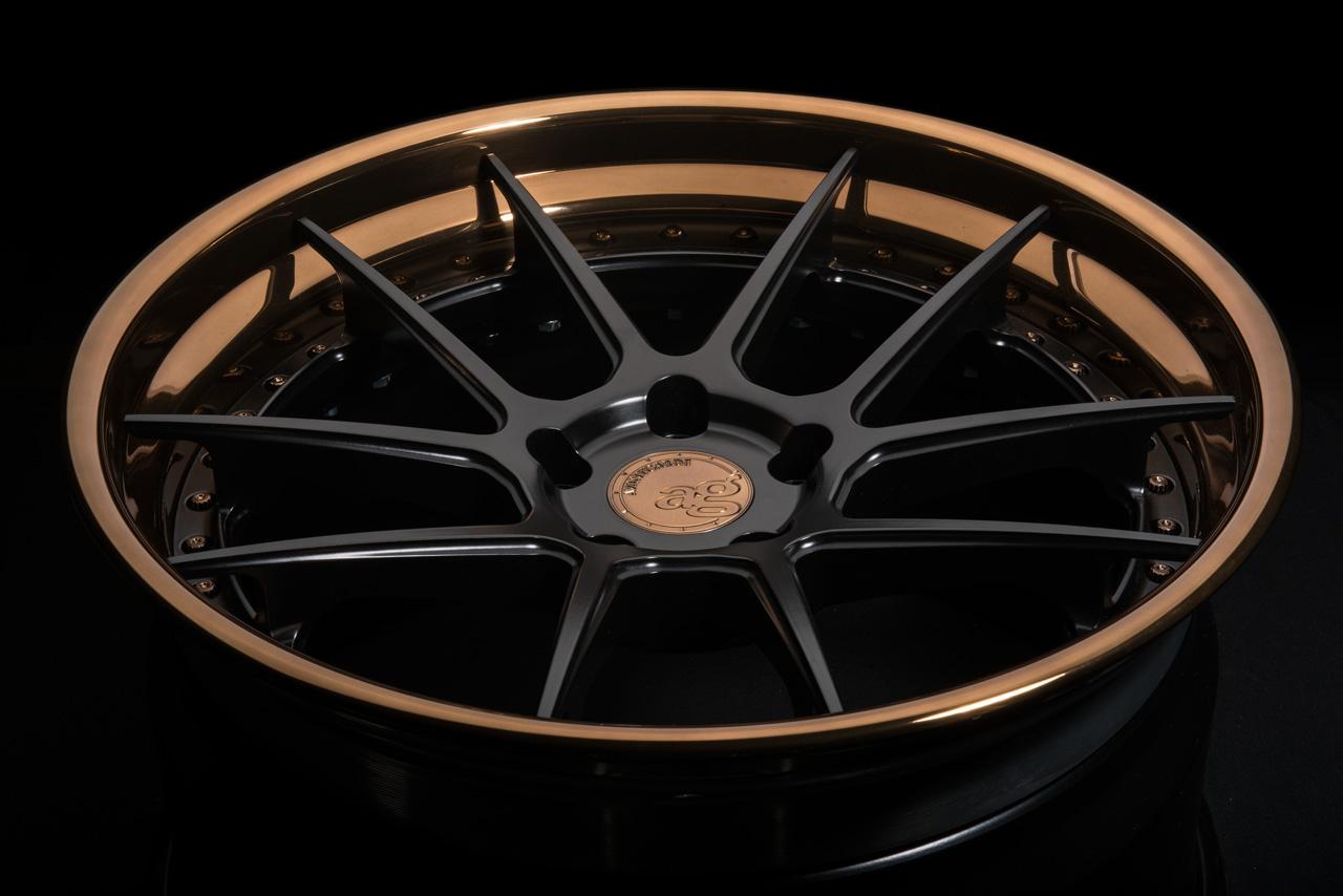 agl23-spec3-concave-matte-black-polished-liquid-bronze-lip-1