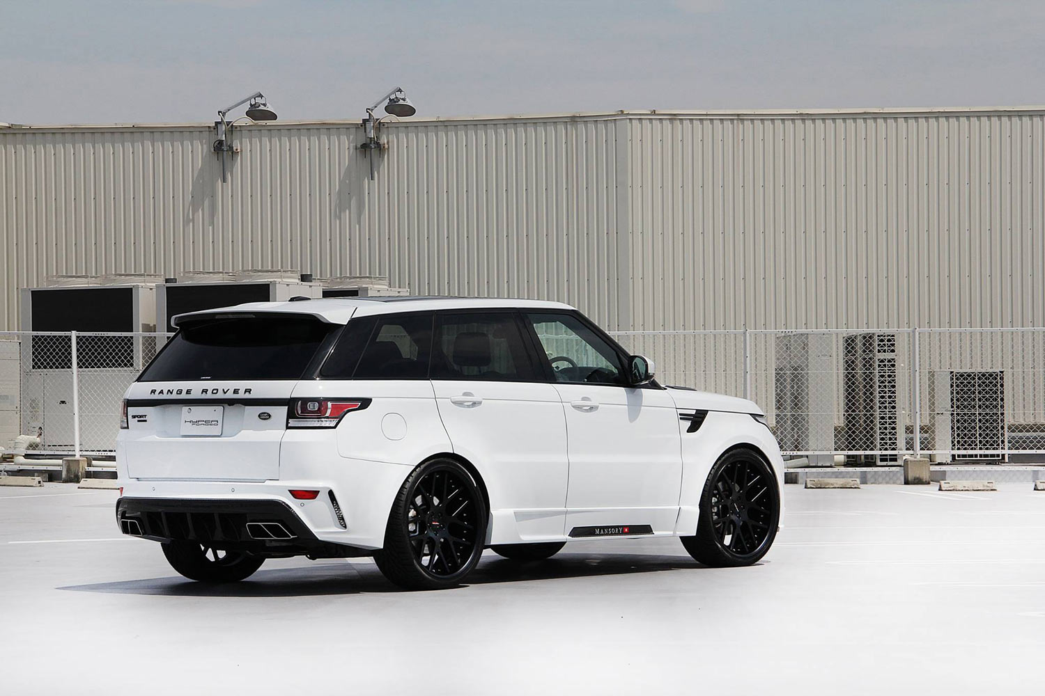 Mansory  Range Rover Sport fitted with 24'' HF_C7 Black